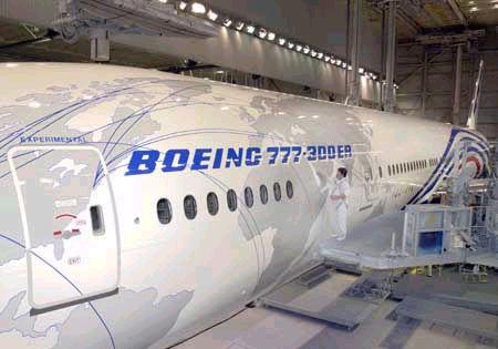 波音777-300ER延程型飞机