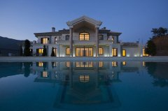 西班牙亿元山水别墅:典雅独特的建筑