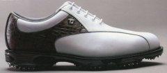 2012高尔夫球鞋排名:世界10大高尔夫球鞋推荐