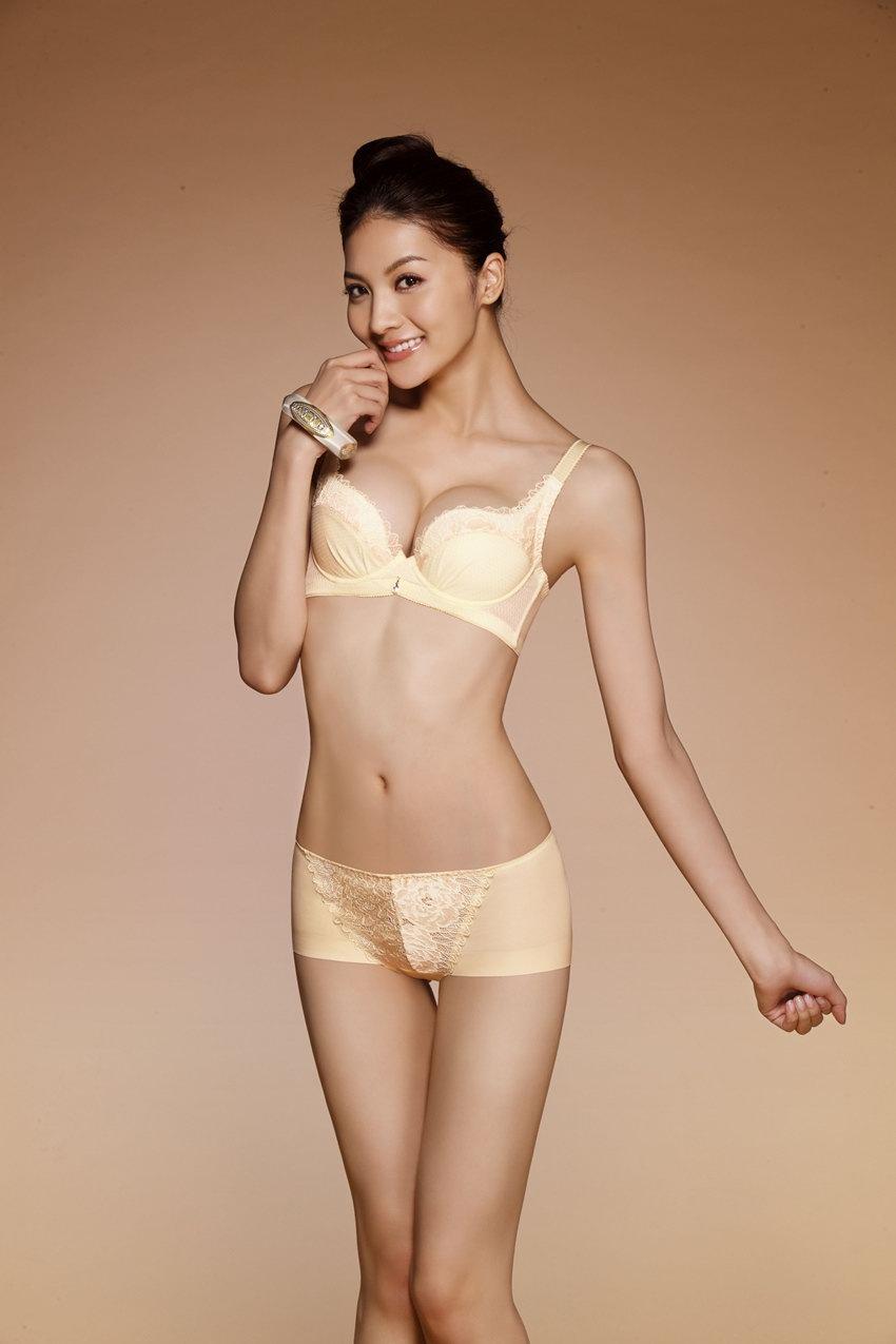 吴亚馨个人资料图片,台湾名模吴亚馨微博照片